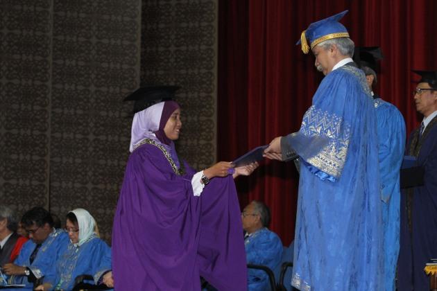 Penghargaan Bachelor Science with Honour Geology kepada penulis pada tahun 2011, di Universiti Kebangsaan Malaysia